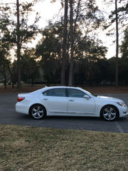 2010 Lexus LS L Sedan 4-Door